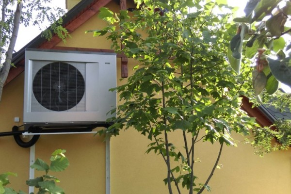 Casă particulară încălzită cu pompă de căldură aer – apă NIBE 2300 20kW